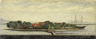 Gezicht op het eiland Kuiper in de baai van Batavia