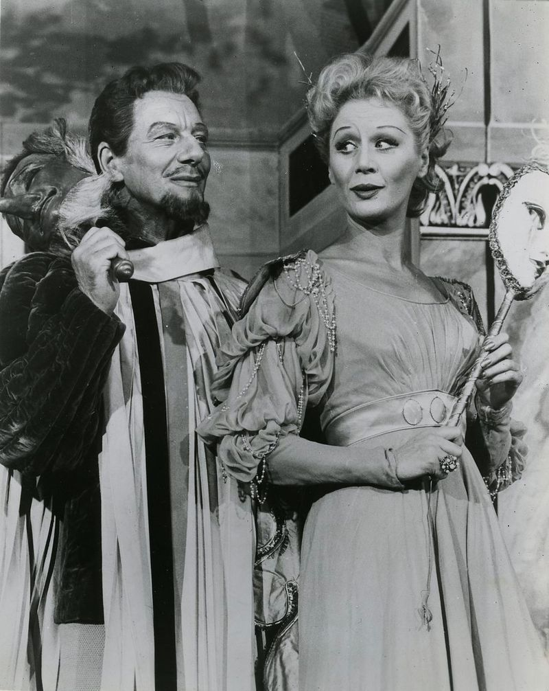 Gielgud and Leighton in Much Ado 1959.jpg