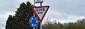 Give way - panoramio.jpg