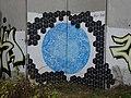 Graffiti na murze zajezdni metra - 1 - panoramio.jpg