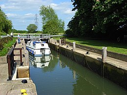 Grafton Lock - geograph.org.uk - 448842.jpg