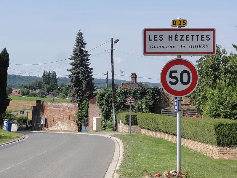 Guivry (Aisne) city limit sign Les Hézettes