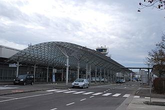 Linz Airport - Image: Hörsching Flughafen