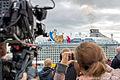 Hamburg Hafen Quantum of the Seas Schaulustige 7098 Torsten Baetge.JPG