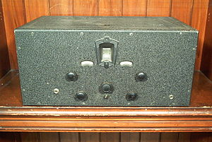 Shortwave radio receiver - Hammarlund Comet Pro.