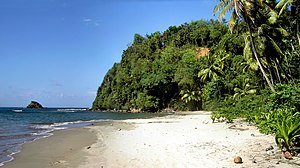 Hampstead Beach (Dominica).jpg