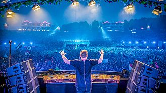 Hardwell - Hardwell performing at Tomorrowland 2015