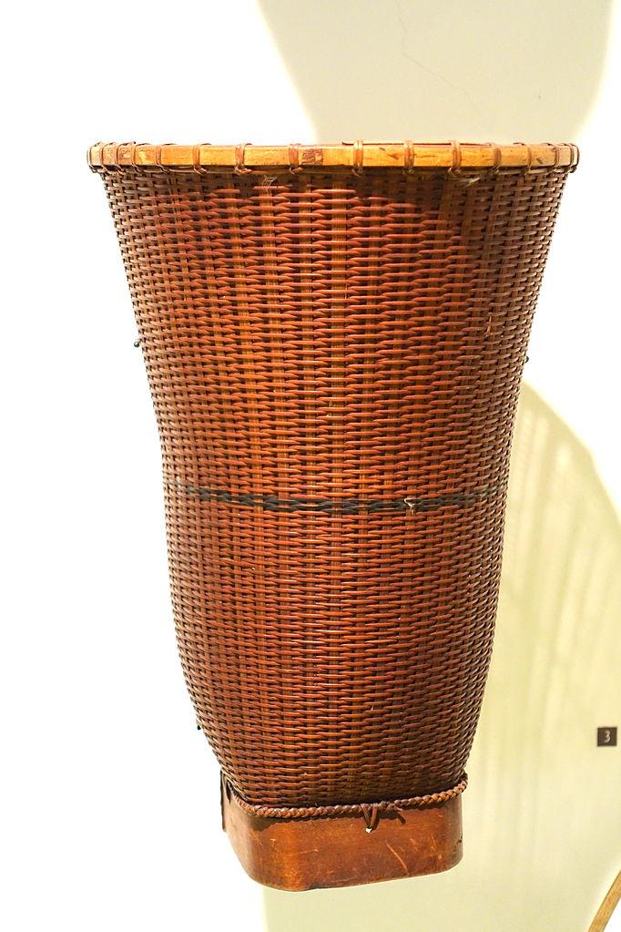 File:Harvest basket, Ba-na, Kon Tum, 1999 - Vietnamese Women's Museum - Hanoi, Vietnam - DSC04233.JPG