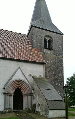 Hejnum Church - Image: Hejnums kyrka Gotland portal 1
