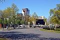 Het Keizer Karelplein, met op de achtergrond de Stadsschouwburg Nijmegen.jpg