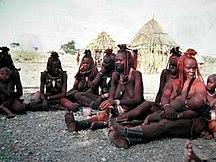 Namibia-Demografia-Himba women