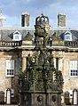 Holyrood Palace fountain (geograph 2168258).jpg