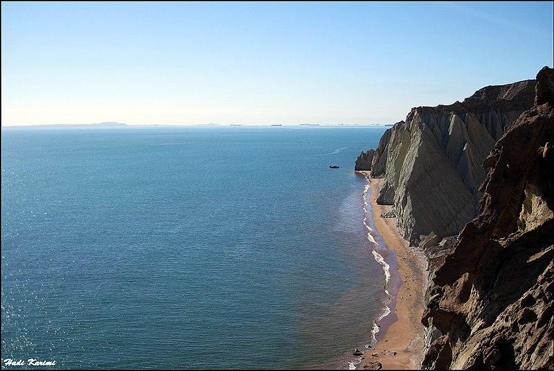 Hormuz Island coast, Persian Gulf - panoramio.jpg