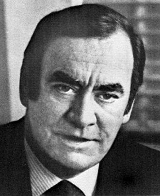 Hugh Carey - Image: Hugh Carey 1977 NFTA Report (cropped)
