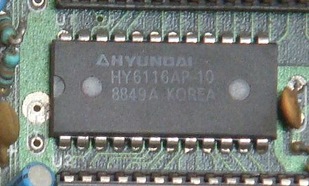 A static RAM chip from a Nintendo Entertainment System clone (2K x 8 bits) Hyundai RAM HY6116AP-10.jpg
