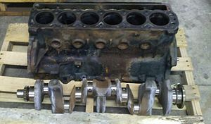 Straight-six engine - Crankshaft with 4 main bearings