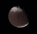 Iapetus - November 10 2005 (35429982062).jpg