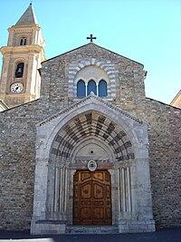 Il portale della cattedrale di Ventimiglia 2.jpg