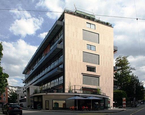Maison Clarté in Genf (UNESCO-Welterbe in der Schweiz). Immeuble Clarté - Lecorbusier (ouest)