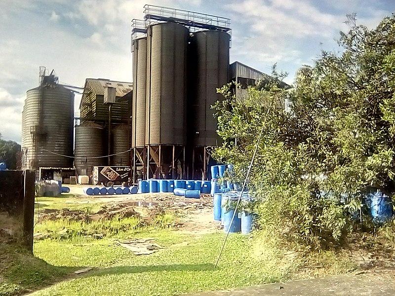 File:Industries au Cameroun - 4.jpg