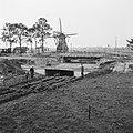 Inpoldering en bemaling, arbeiders, aanleg duikers, molens, bruggen, oostermoers, Bestanddeelnr 159-0977.jpg