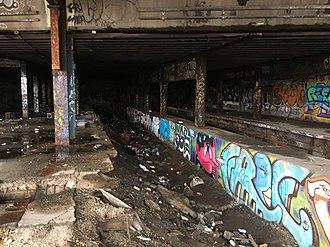 Sedgwick Avenue (IRT Ninth Avenue Line) - Inside the station.