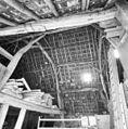 Interieur schuur, overzicht kapconstructie - Middelrode - 20321853 - RCE.jpg