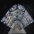 Interieur trappenhuis, overzicht gebrandschilderd glas-in-lood - 's-Gravenhage - 20367888 - RCE.jpg