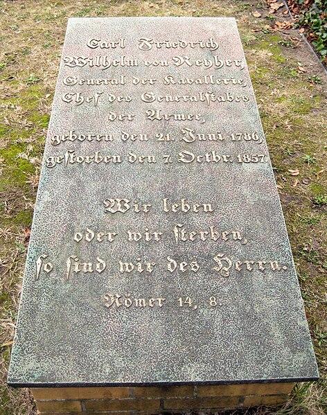 File:Invalidenfriedhof, Grabmal von Reyher.jpg