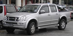 Isuzu D-Max - Image: Isuzu D Max (first generation) (front), Serdang