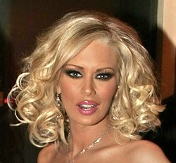 Jenna Jameson AVN Awards January 9 2006 cropped2.jpg