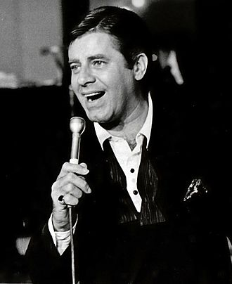 Jerry Lewis - Lewis performing