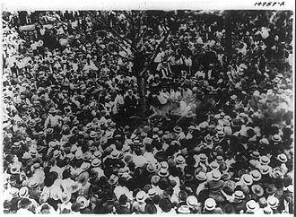 Lynching of Jesse Washington - The crowd preparing to lynch Washington