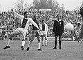 Johan Cruijff (Ajax) scoort.jpg