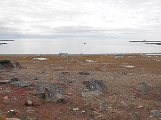 Queen Elizabeth Islands - Image: Johnson Bay Settlement Dundas Harbour Qikiqtaaluk Nunuvut Canada
