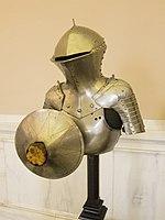 Jousting armour (14163383869).jpg