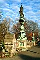 Königsworther Brücke Straße Hannover zwei der vier Pracht-Kandelaber von Carl Dopmeyer 1898.jpg