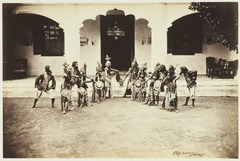 KITLV 3929 - Kassian Céphas - Dancers from the sultan of Yogyakarta perform a dance called Beksan Eteng - Around 1885.tif