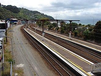 Kaiwharawhara railway station - Image: Kaiwharawhara railway station 02