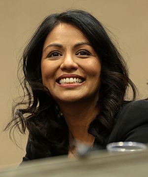 Karen David - David at the 2017 Phoenix Comicon to promote Once Upon a Time