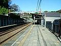 Keikyu-railway-main-line-Keikyu-taura-station-platform-20081120.jpg