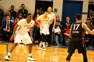Kevon Looney - Looney (left) on assignment with Santa Cruz in 2016
