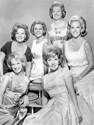 The King Sisters - Seated from left: Yvonne, Alyce. Standing: Donna, Luise, Maxine, Marilyn, 1964.