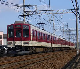 Kintetsu 1200 series 1211 formation.jpg