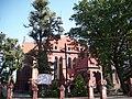 Kościół parafialny w Sycowie -widok boku kościoła.jpg