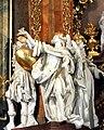 Krzeszów, bazylika Wniebowzięcia Najświętszej Maryi Panny, figury aniołów w ołtarzu głównym.jpg