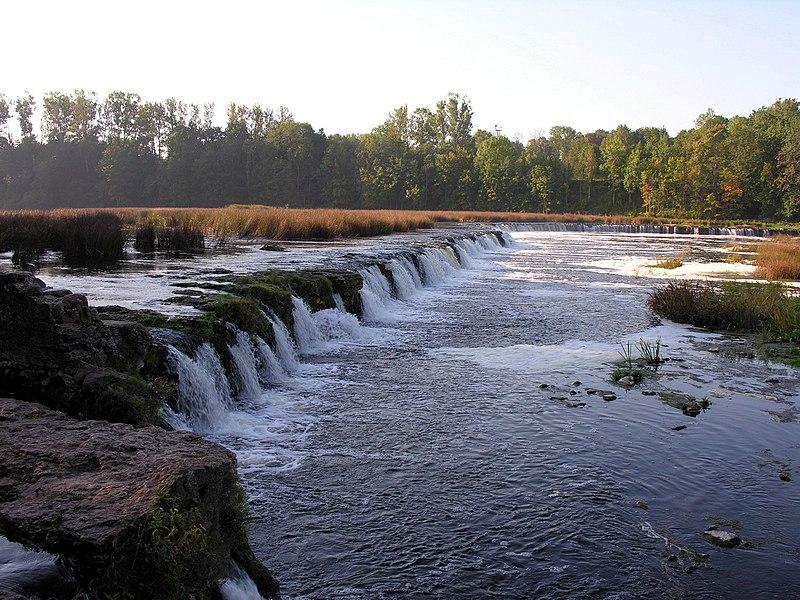 Letonija 800px-Kuldyga._ventos_krioklys%2C_2006-09-22