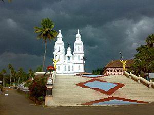 Kuravilangad - The church in the evening