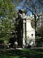 La Fontaine Médicis vue de profil.jpg