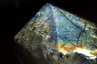Labradorite - Image: Labradorite polie 2 (Madagascar)